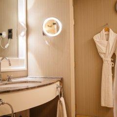 Отель Hyatt Regency Köln Германия, Кёльн - 1 отзыв об отеле, цены и фото номеров - забронировать отель Hyatt Regency Köln онлайн ванная фото 2