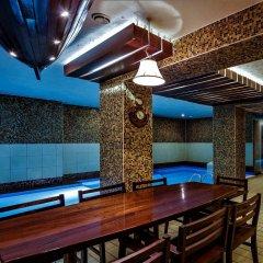 Отель Alanga Hotel Литва, Паланга - 5 отзывов об отеле, цены и фото номеров - забронировать отель Alanga Hotel онлайн бассейн