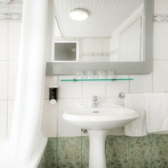 Отель Eurovillage Achilleas Hotel Греция, Мастичари - отзывы, цены и фото номеров - забронировать отель Eurovillage Achilleas Hotel онлайн ванная фото 2