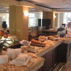 Отель Rodeway Inn South Miami Coral Gables США, Normandy Isle - 1 отзыв об отеле, цены и фото номеров - забронировать отель Rodeway Inn South Miami Coral Gables онлайн питание