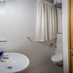 Отель Consiglia Apartments - Sliema Мальта, Слима - отзывы, цены и фото номеров - забронировать отель Consiglia Apartments - Sliema онлайн ванная фото 2