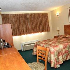 Отель JFK Inn США, Нью-Йорк - отзывы, цены и фото номеров - забронировать отель JFK Inn онлайн сейф в номере