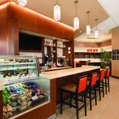 Отель Hyatt Place Chicago-South/University Medical Center гостиничный бар