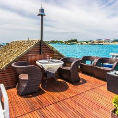 Отель UI Inn Мальдивы, Хулхумале - 1 отзыв об отеле, цены и фото номеров - забронировать отель UI Inn онлайн бассейн фото 2