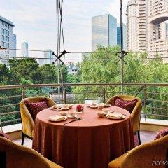Отель Grand Millennium HongQiao Shanghai балкон