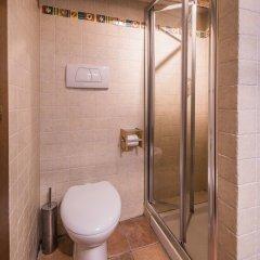 Отель A Few Steps to The Duomo Perfect 1BD Apt Италия, Флоренция - отзывы, цены и фото номеров - забронировать отель A Few Steps to The Duomo Perfect 1BD Apt онлайн ванная фото 2