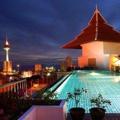 Aiyara Grand Hotel бассейн фото 2