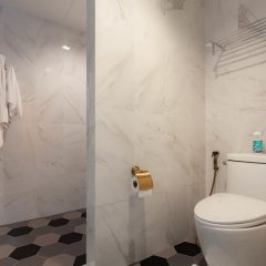 Отель Sound Gallery House Пхукет ванная фото 2