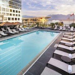 Отель The Fairmont Waterfront Канада, Ванкувер - отзывы, цены и фото номеров - забронировать отель The Fairmont Waterfront онлайн бассейн фото 3