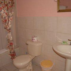 Отель PinkHibiscus Guest House ванная фото 2