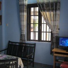 Отель Cam Chau Homestay Хойан удобства в номере