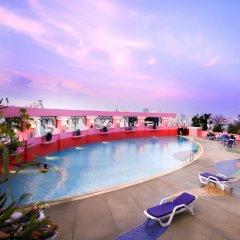 Отель Baiyoke Sky Бангкок бассейн
