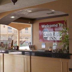 Отель Coach Light Inn интерьер отеля фото 2