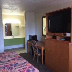 Отель Relax Inn Downtown Vicksburg удобства в номере