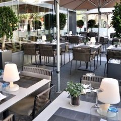 Отель Hilton Vienna бассейн