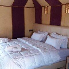Отель Dunes Luxury Camp Erg Chebbi Марокко, Мерзуга - отзывы, цены и фото номеров - забронировать отель Dunes Luxury Camp Erg Chebbi онлайн комната для гостей фото 3