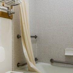 Отель Quality Inn And Suites Gilroy США, Гилрой - отзывы, цены и фото номеров - забронировать отель Quality Inn And Suites Gilroy онлайн ванная фото 2