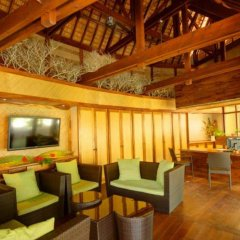 Отель Maitai Rangiroa гостиничный бар