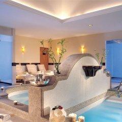 Отель Marquis Sky Suites Мехико бассейн