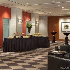Отель Delta Hotels by Marriott Vancouver Downtown Suites Канада, Ванкувер - отзывы, цены и фото номеров - забронировать отель Delta Hotels by Marriott Vancouver Downtown Suites онлайн интерьер отеля фото 2