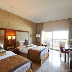 Отель Crowne Plaza Jordan Dead Sea Resort & Spa, an IHG Hotel Иордания, Сваймех - отзывы, цены и фото номеров - забронировать отель Crowne Plaza Jordan Dead Sea Resort & Spa, an IHG Hotel онлайн комната для гостей фото 4
