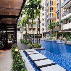 Отель Locals Sathorn Siamese Nang Linchee Бангкок бассейн фото 2