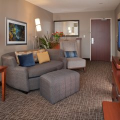 Отель Courtyard by Marriott Tacoma Downtown США, Такома - отзывы, цены и фото номеров - забронировать отель Courtyard by Marriott Tacoma Downtown онлайн комната для гостей фото 3