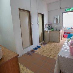 Alice Semporna Backpackers Hostel в номере