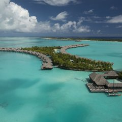 Отель The St Regis Bora Bora Resort Французская Полинезия, Бора-Бора - отзывы, цены и фото номеров - забронировать отель The St Regis Bora Bora Resort онлайн пляж фото 2