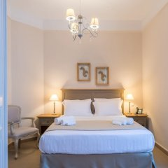 Отель Home and Art Suites комната для гостей