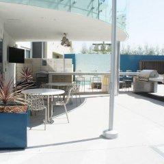 Отель The 5200 Wilshire Blvd США, Лос-Анджелес - отзывы, цены и фото номеров - забронировать отель The 5200 Wilshire Blvd онлайн гостиничный бар