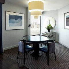 Отель DoubleTree by Hilton Montreal Канада, Монреаль - отзывы, цены и фото номеров - забронировать отель DoubleTree by Hilton Montreal онлайн удобства в номере фото 2