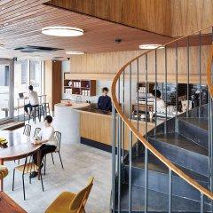 Отель nine hours Asakusa Япония, Токио - отзывы, цены и фото номеров - забронировать отель nine hours Asakusa онлайн гостиничный бар