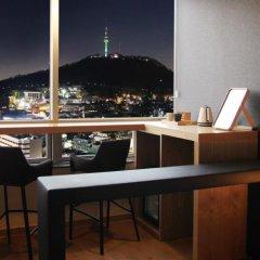Отель Loisir Hotel Seoul Myeongdong Южная Корея, Сеул - 3 отзыва об отеле, цены и фото номеров - забронировать отель Loisir Hotel Seoul Myeongdong онлайн гостиничный бар