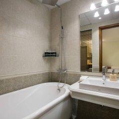 Отель Silk Queen Grand Hotel Вьетнам, Ханой - отзывы, цены и фото номеров - забронировать отель Silk Queen Grand Hotel онлайн ванная фото 2