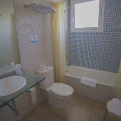 Отель Casa Del Mar Hotel Испания, Курорт Росес - отзывы, цены и фото номеров - забронировать отель Casa Del Mar Hotel онлайн ванная
