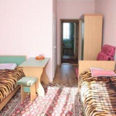 Отель Маданур Кыргызстан, Каракол - отзывы, цены и фото номеров - забронировать отель Маданур онлайн балкон