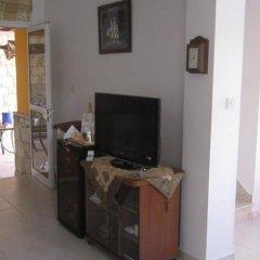 Отель Valentinos Villa Кипр, Протарас - отзывы, цены и фото номеров - забронировать отель Valentinos Villa онлайн комната для гостей фото 5