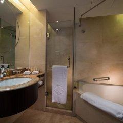 Отель Sunshine Hotel Shenzhen Китай, Шэньчжэнь - отзывы, цены и фото номеров - забронировать отель Sunshine Hotel Shenzhen онлайн ванная фото 2