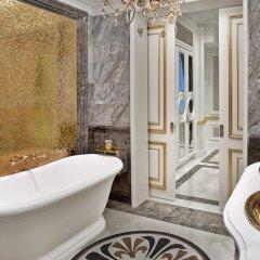 Гостиница The St. Regis Moscow Nikolskaya ванная фото 3