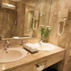 Отель Cinnamon Lakeside Colombo ванная фото 2