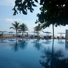 Отель Rani Beach Resort бассейн
