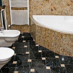 Отель Kalmár Pension Венгрия, Будапешт - отзывы, цены и фото номеров - забронировать отель Kalmár Pension онлайн ванная фото 2