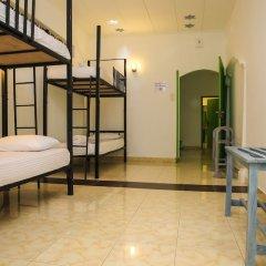 Отель Negombo Beach by Flipflop Hostels комната для гостей фото 3
