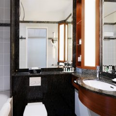 Warsaw Marriott Hotel Варшава ванная