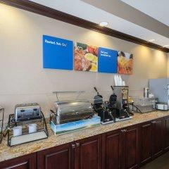 Отель Comfort Inn & Suites Maingate South питание фото 3
