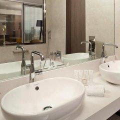 Отель Meliá Barcelona Sky ванная фото 2