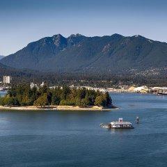 Отель Pinnacle Hotel Harbourfront Канада, Ванкувер - отзывы, цены и фото номеров - забронировать отель Pinnacle Hotel Harbourfront онлайн приотельная территория