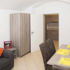 Апартаменты Limes Apartments комната для гостей фото 3