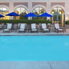 Отель Sheraton Suites Columbus США, Колумбус - отзывы, цены и фото номеров - забронировать отель Sheraton Suites Columbus онлайн бассейн